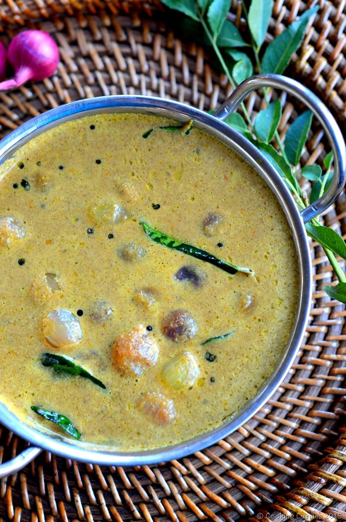 Ulli Theeyal - Pearl Onions in a Roasted Coconut and Spices Sauce - A Kerala Recipe - Cooking Curries (2)