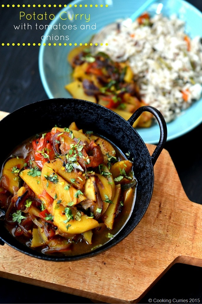 Potato Curry with Tomatoes and Onions - a simple Indian Curry Recipe - Vegetarian, Vegan, Gluten free - Cooking Curries