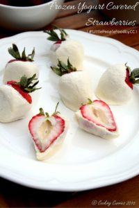 Frozen Yogurt Covered Strawberries - Little People Food - Toddler Food Recipes - www.cookingcurries.com (2)