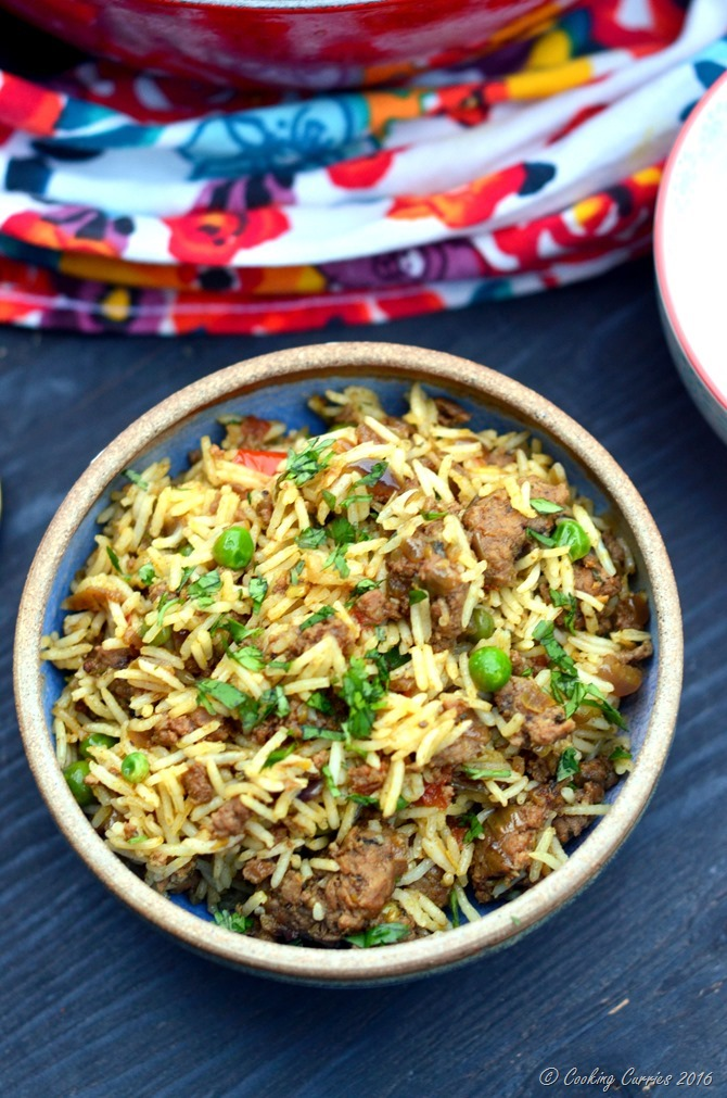 Keema Biryani - Biryani with Grount Lamb and Peas - www.cookingcurries.com (3)