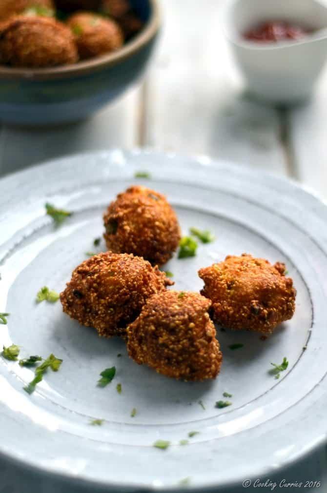 Scallion Cilantro Hush Puppies - www.cookingcurries.com (5)