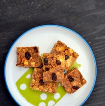 5-Ingredient-Peanut-Butter-Chocolate-Chips-Cereal-Bars-Little-People-Food-www.cookingcurries.jpg