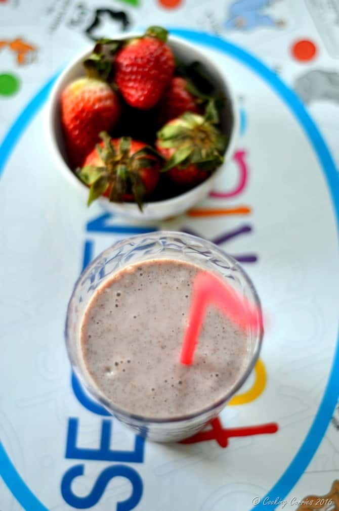 Strawbery Honey Chia Smoothie - Little People Food - Cooking Curries (3)