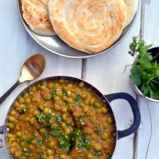 Green Peas Masala Curry - Kerala Style