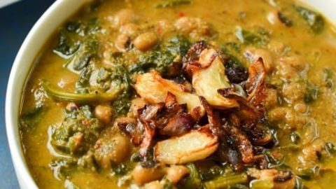 Mangalorean Spinach and Black Eyed Peas Curry