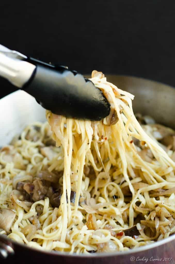 Linguine with Mushrooms in a White Wine Butter Sauce (3 of 6)