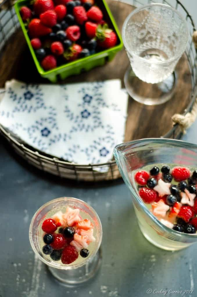 Summer Berry Sangria - Red, White and Blue Sangria (5 of 5)