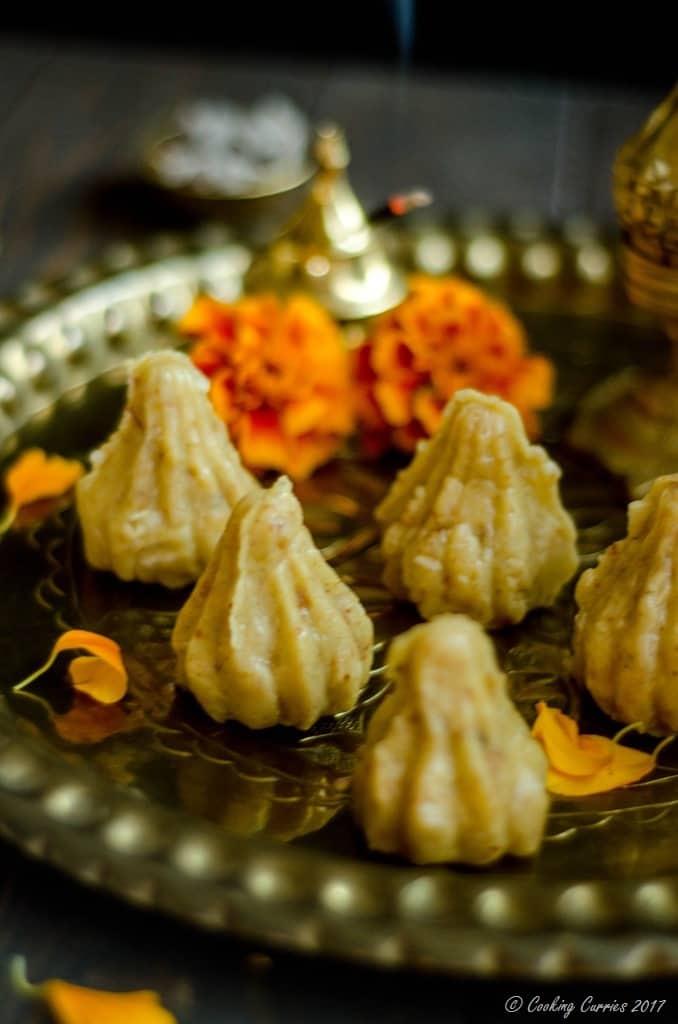 Coconut Khoya Modak with Chocolate Chip Filling (4 of 5)