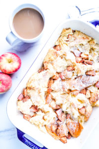 Brioche and cinnamon apples in a casserole dish